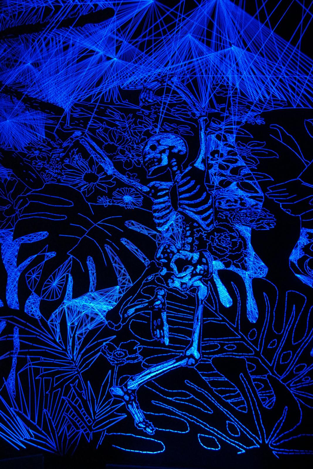 Entomogrotte stellaire 2015 by Julien Salaud installation in situ Tripostal Lille 3000 renaissance exposition Tu dois changer ta vie danseur squelette