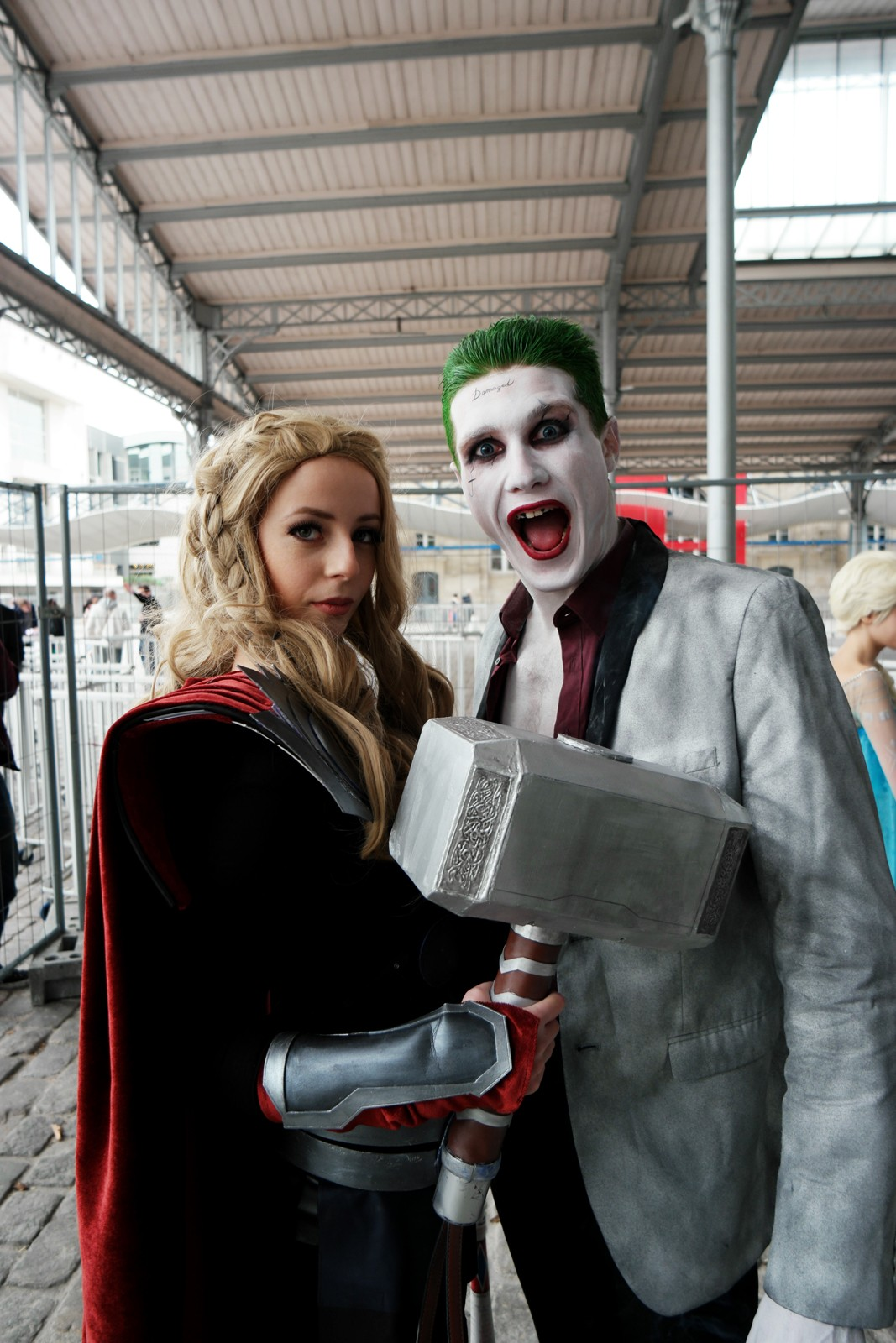 Joker and Thor girl Comic Con Paris festival 2015 Grande Halle de la Villette cosplay batman photo united states of paris blog