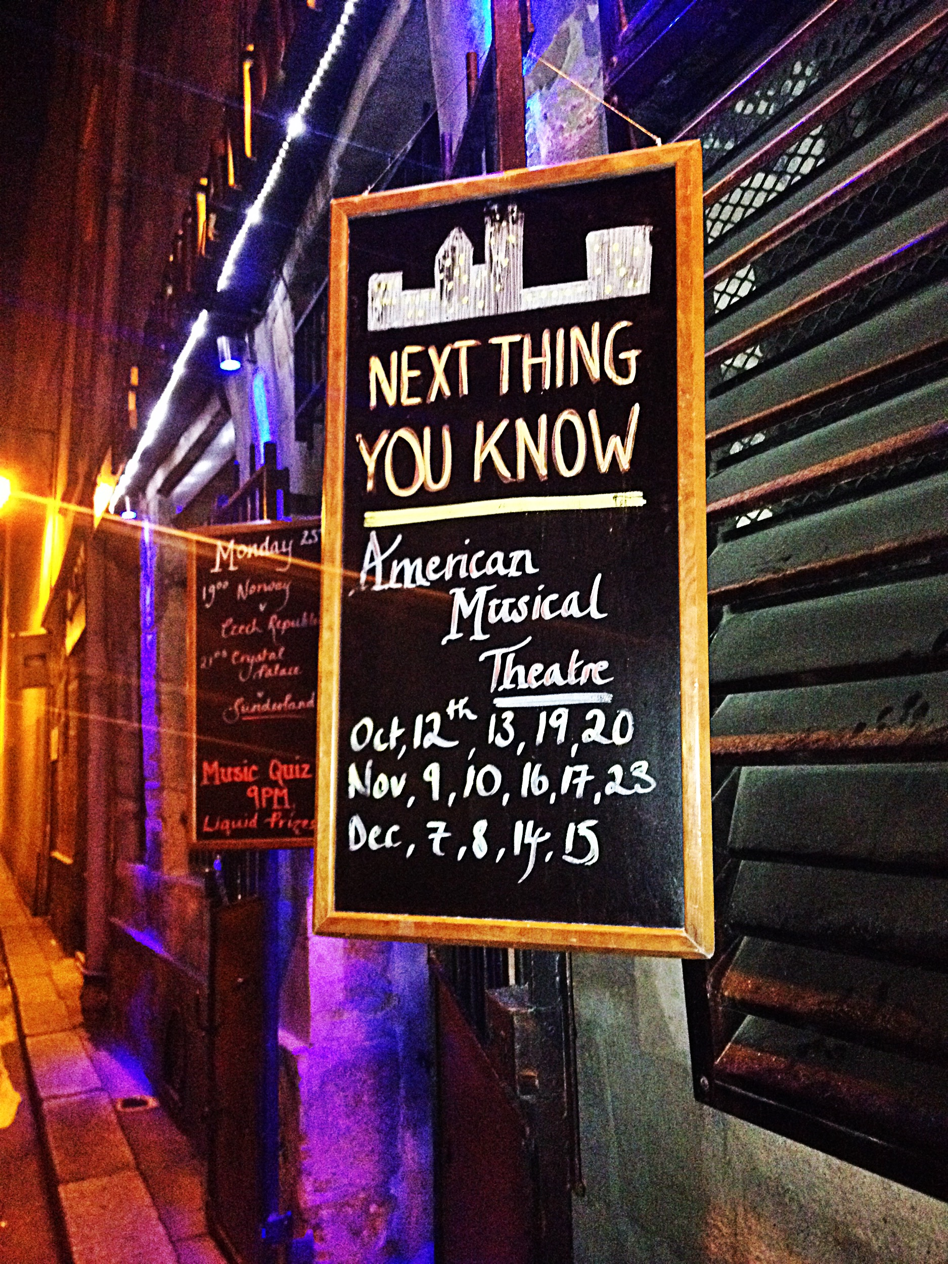 Next thing you know american musical theatre live paris american Pub Highlander Bar écossais rue de Nevers 6e photo by United states of paris usofparis