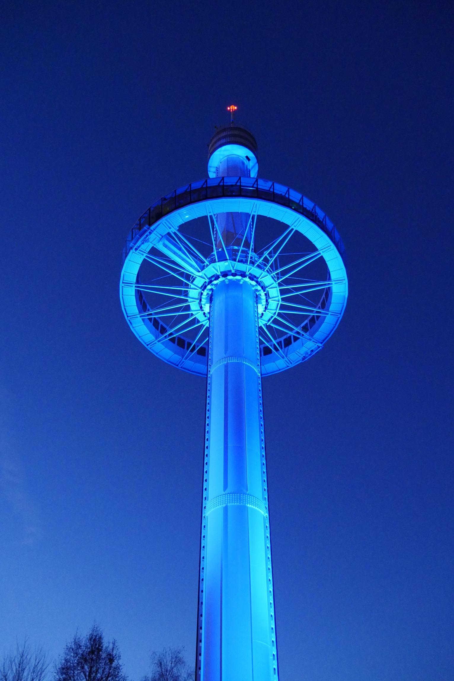 gyrotour-de-nuit-attraction-tour-parc-du-futuroscope-poitiers-tour-panoramique-photo-usofparis-blog