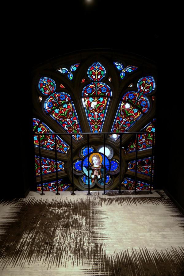 Hotel Dream Mons avis prix tarif critique vitrail belgique tourisme chambre thèmes déco église gothique Photo by blog United States of Paris