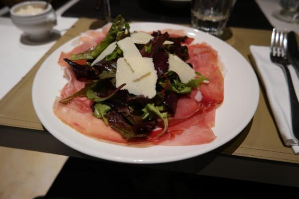 Oliva restaurant italien menu paris 8ème rue des saussaies madeleine trattoria avis critique jambon culatello grana pardano Photo by blog United states of paris