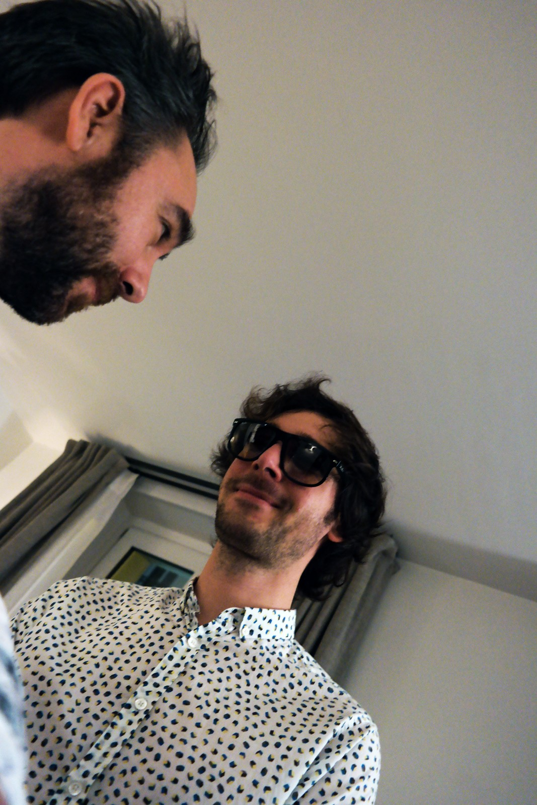 Pony Pony Run Run Amaël et Gaëtan selfie original pour UsofParis blog interview album Voyage Voyage Pias France Le Label
