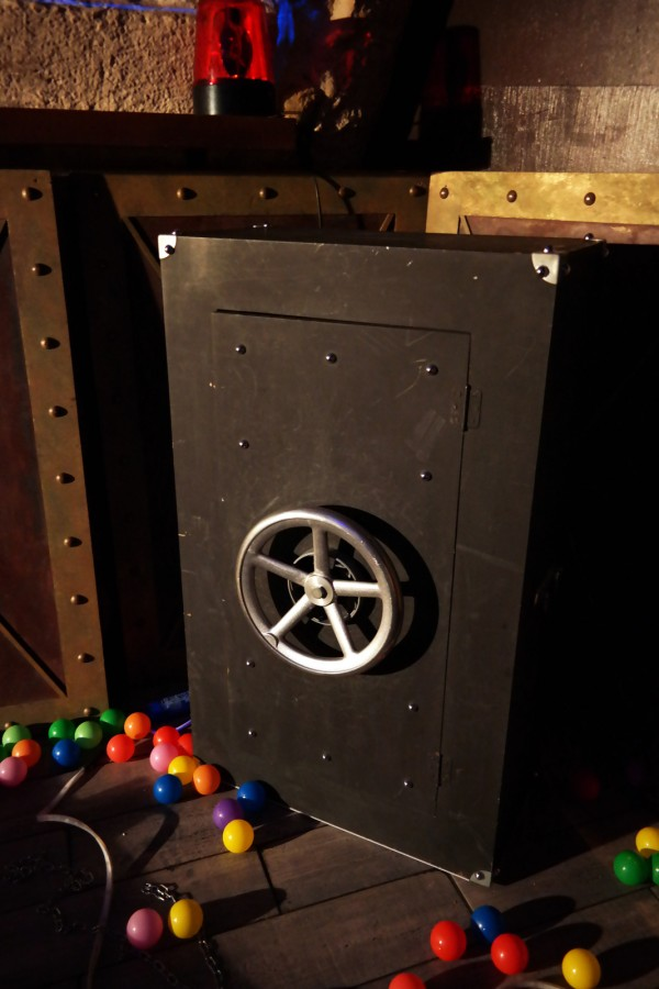 Collock escape game nomade éphémère enigme jeu interactif séminaire convention entreprise un casse à dallas Photo By Blog United States of Paris