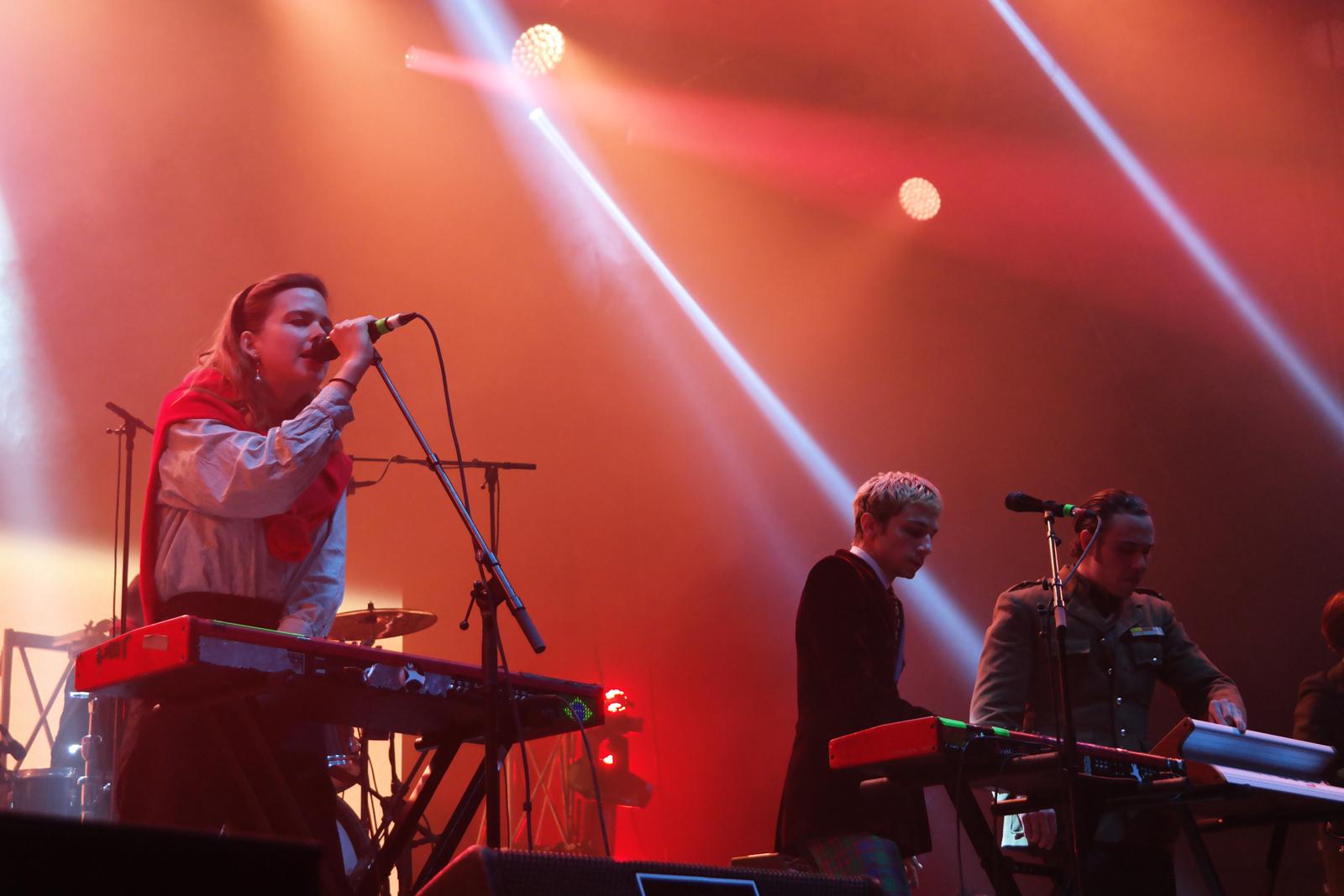 La Femme live concert Printemps de Bourges 2016 avec Clémence Quélennec Marlon Magnée festival musique tournée photo scène usofparis blog