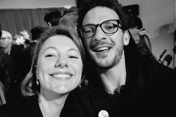 selfie exclu Elodie Mermoz et Vincent Dedienne pour usofparis
