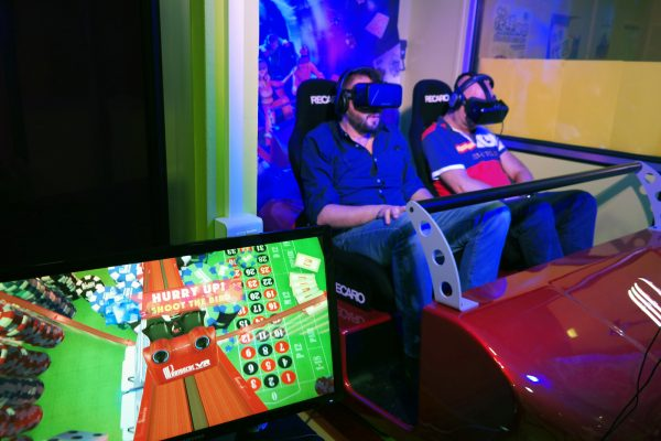 Partouche vr roller blaster Réalité virtuelle pasino casino oculus rift htc vive grand huit photo by blog United states of Paris