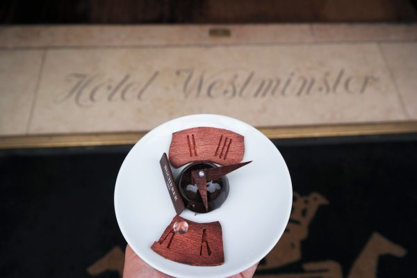 Instant Chocolat avis critique restaurant céladon hotel westminster bucherer dessert création bryan esposito photo blog United States of Paris