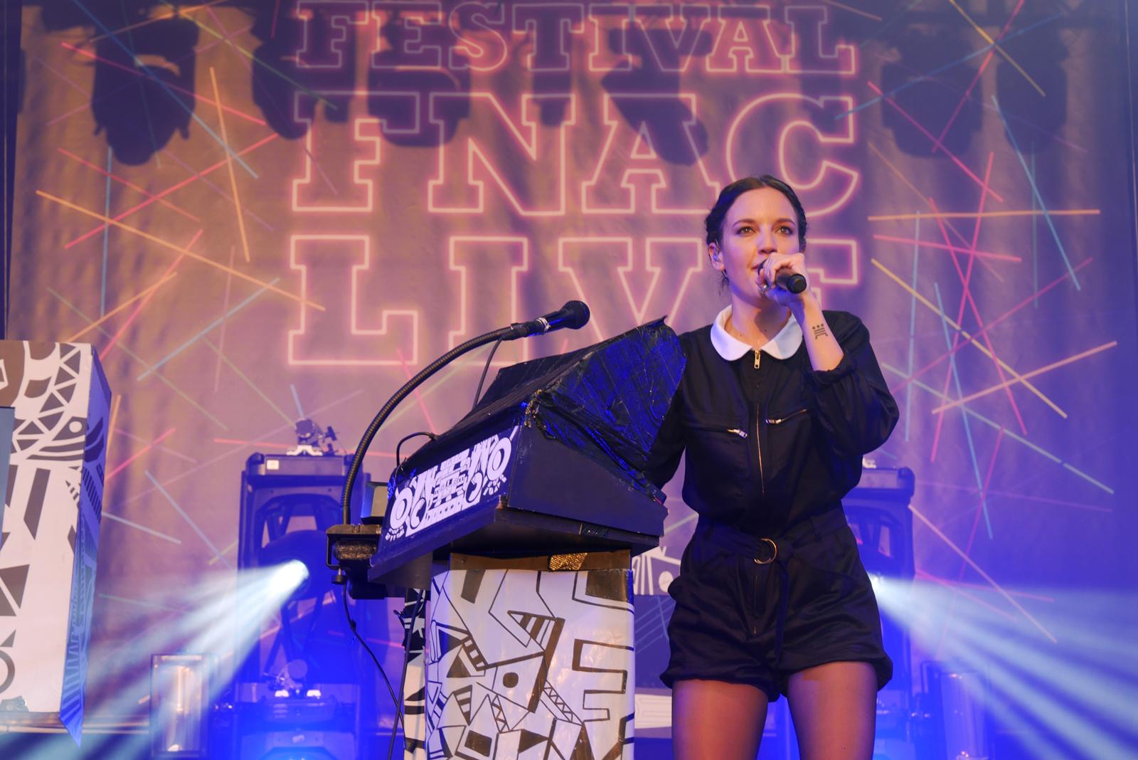 Jain Fnac live 2016 festival été musique électro report photo scène by blog united states of paris