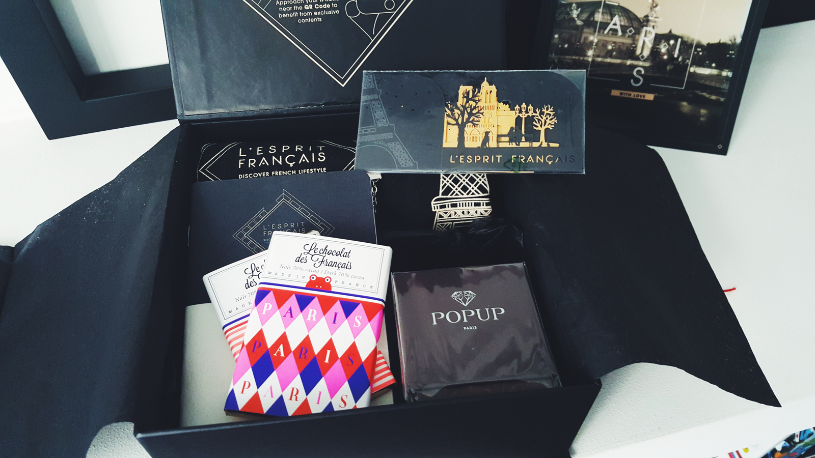 L esprit francais gift box collection Paris City Guide discover french style experience the parisian lifestyle chocolate candle postcard bracelet photo usofparis blog