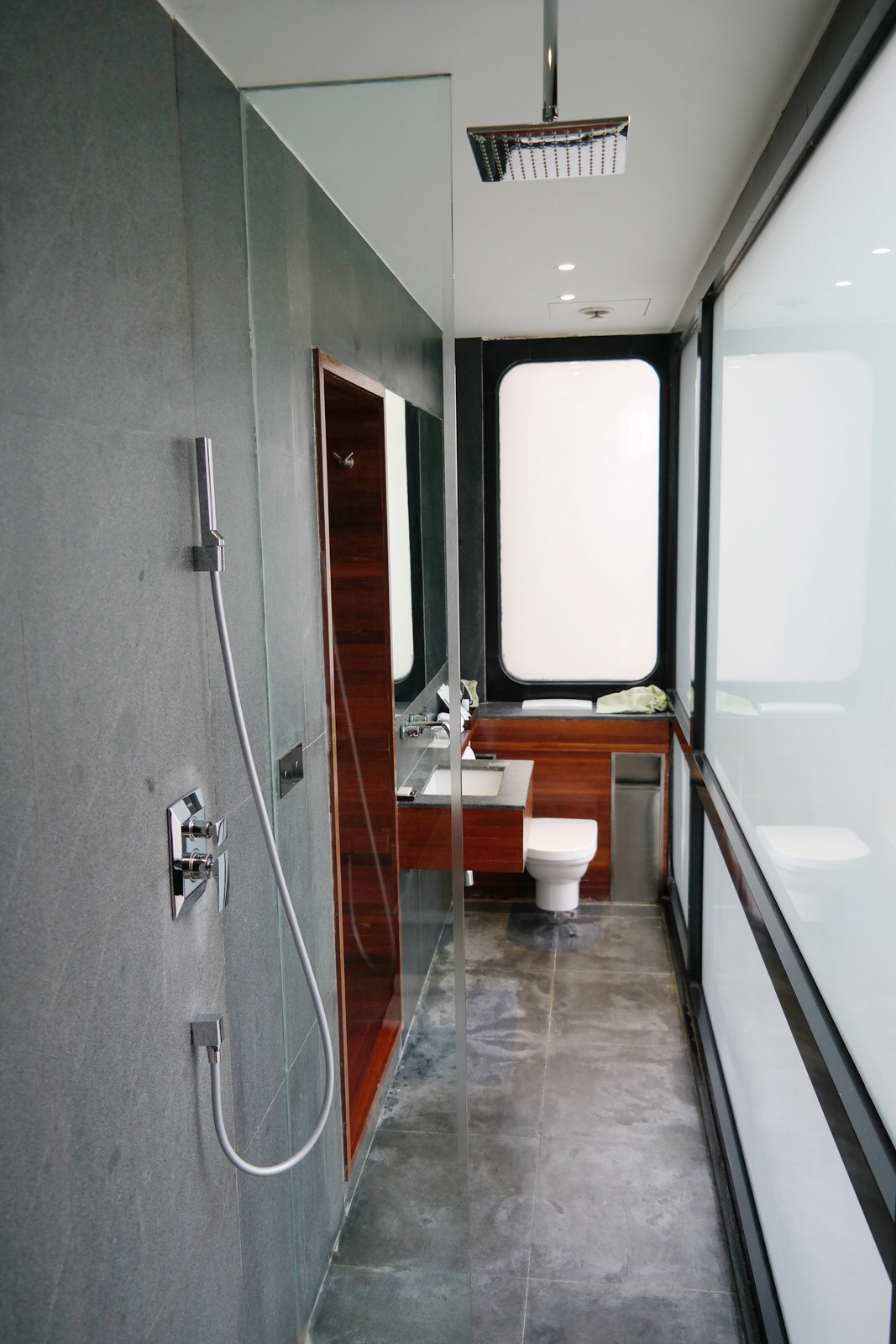 URBN Hotel Shanghai deluxe bathroom design eco chic comfort boutique hotel Tempting Places Jiaozhou Rd Jing'an district photo UsofParis travel blog