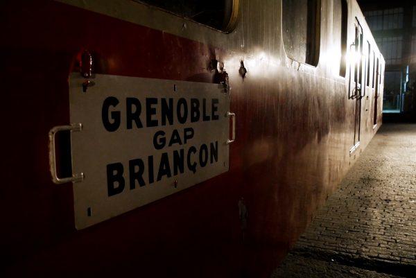 Grand train avis bar food rue ordener Ground control Paris18 Photo by US of Paris