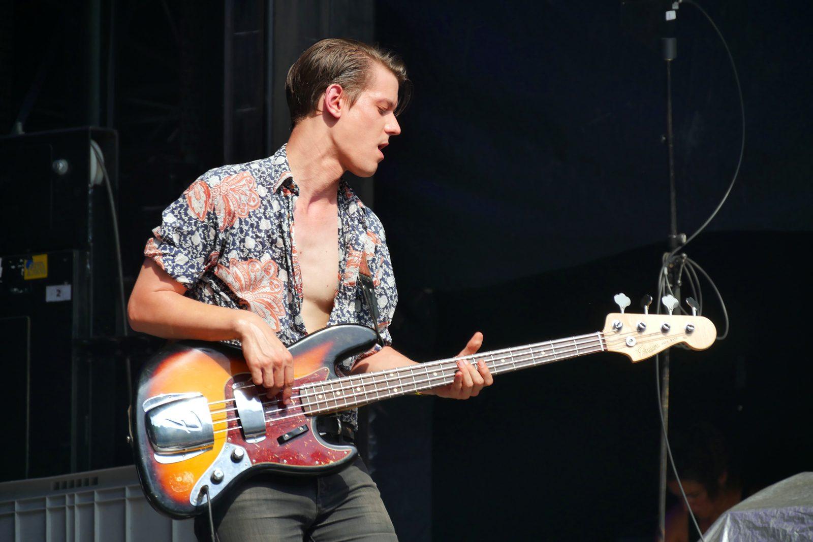 Theo Lawrence and the heart guitariste concert live Rock en Seine 2016 festival paris photo scène usofparis blog