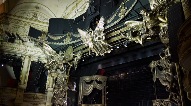 Dans les coulisses du Fantôme de l'Opéra : magie et précision