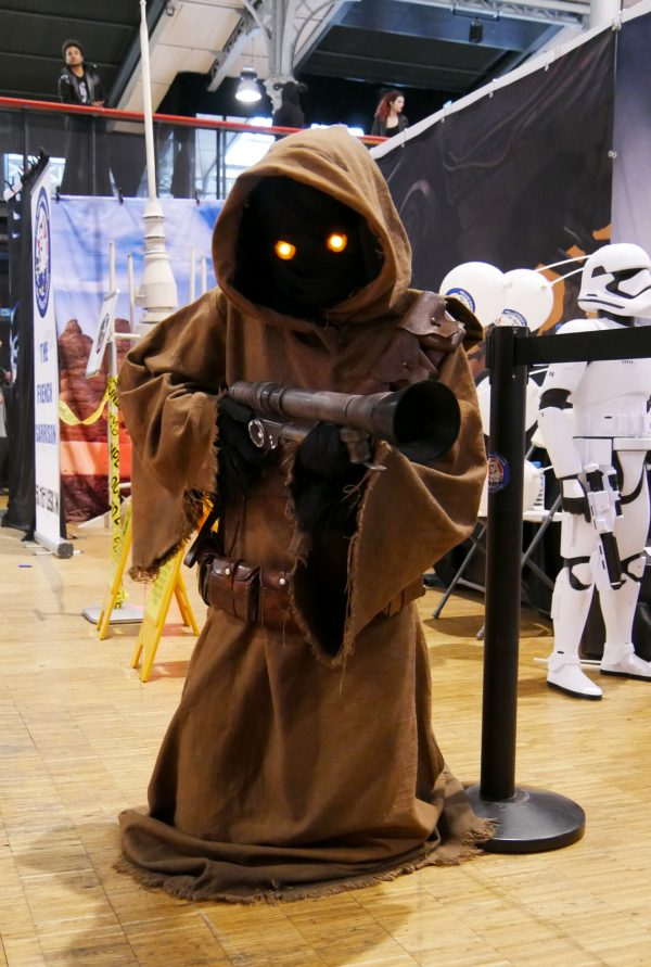 comic-con-paris-2016-expo-avis-la-villette-501st-legion-french-starwars-garrison-jawa-cosplay-photo-by-united-states-of-paris