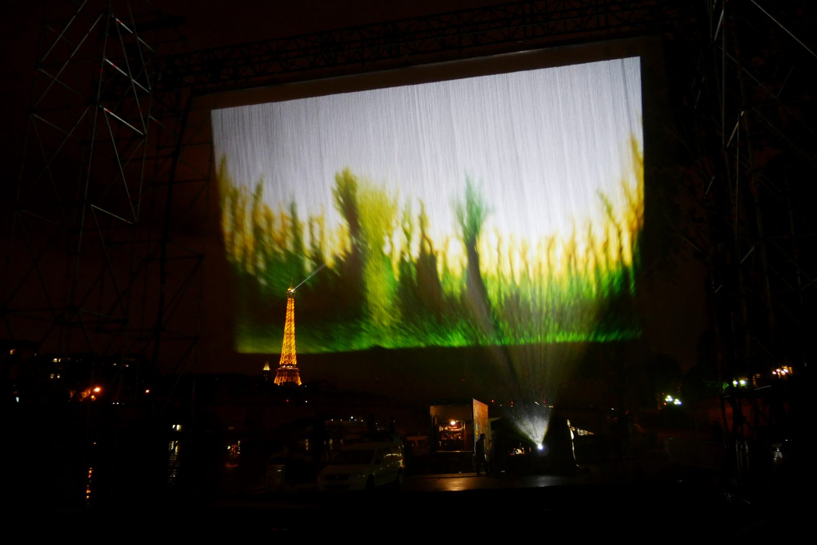 nuit-blanche-2016-paris-atelier-du-bout-de-la-cale-projection-perfomance-argos-pont-champs-elysees-photo-usofparis-blog