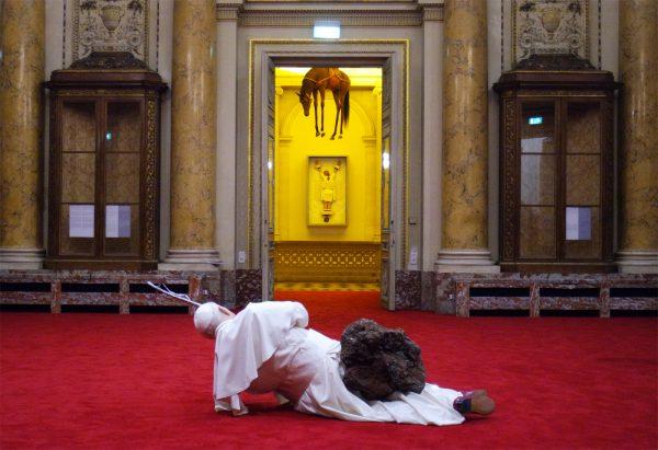 not-afraid-of-love-maurizio-cattelan-monnaie-de-paris-avis-critique-la-nona-ora-novencento-photo-by-blog-united-states-of-paris