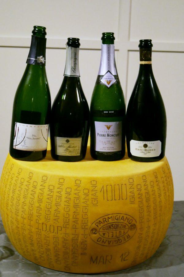 champagnes-de-vignerons-independants-parmesan-aop-parmigiano-reggiano-apero-degustation-photo-by-blog-usofparis
