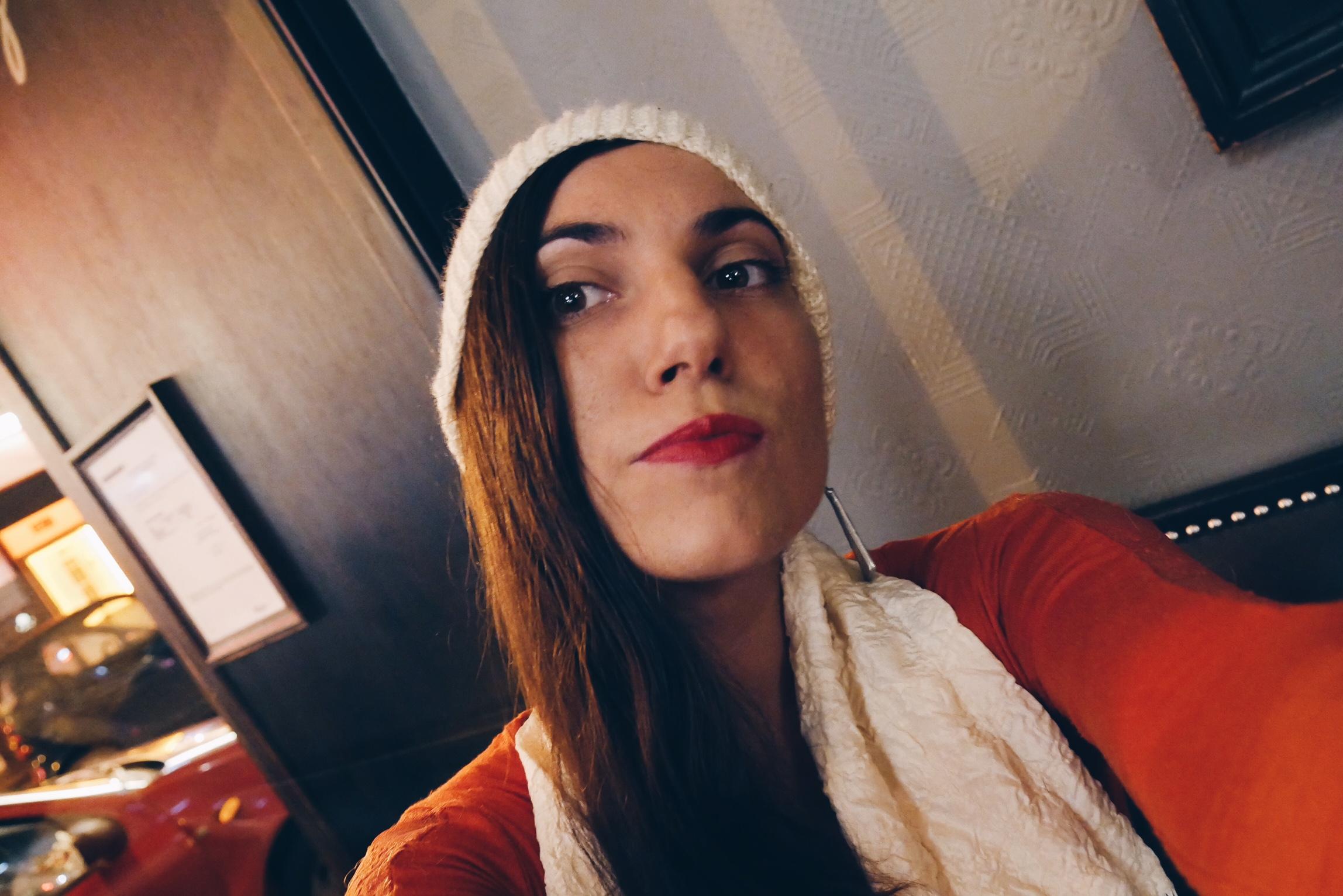 Marianne-BP-chanteuse-selfie-exclu-interview-Aparté-Parisienne-album-photo-usofparis-blog