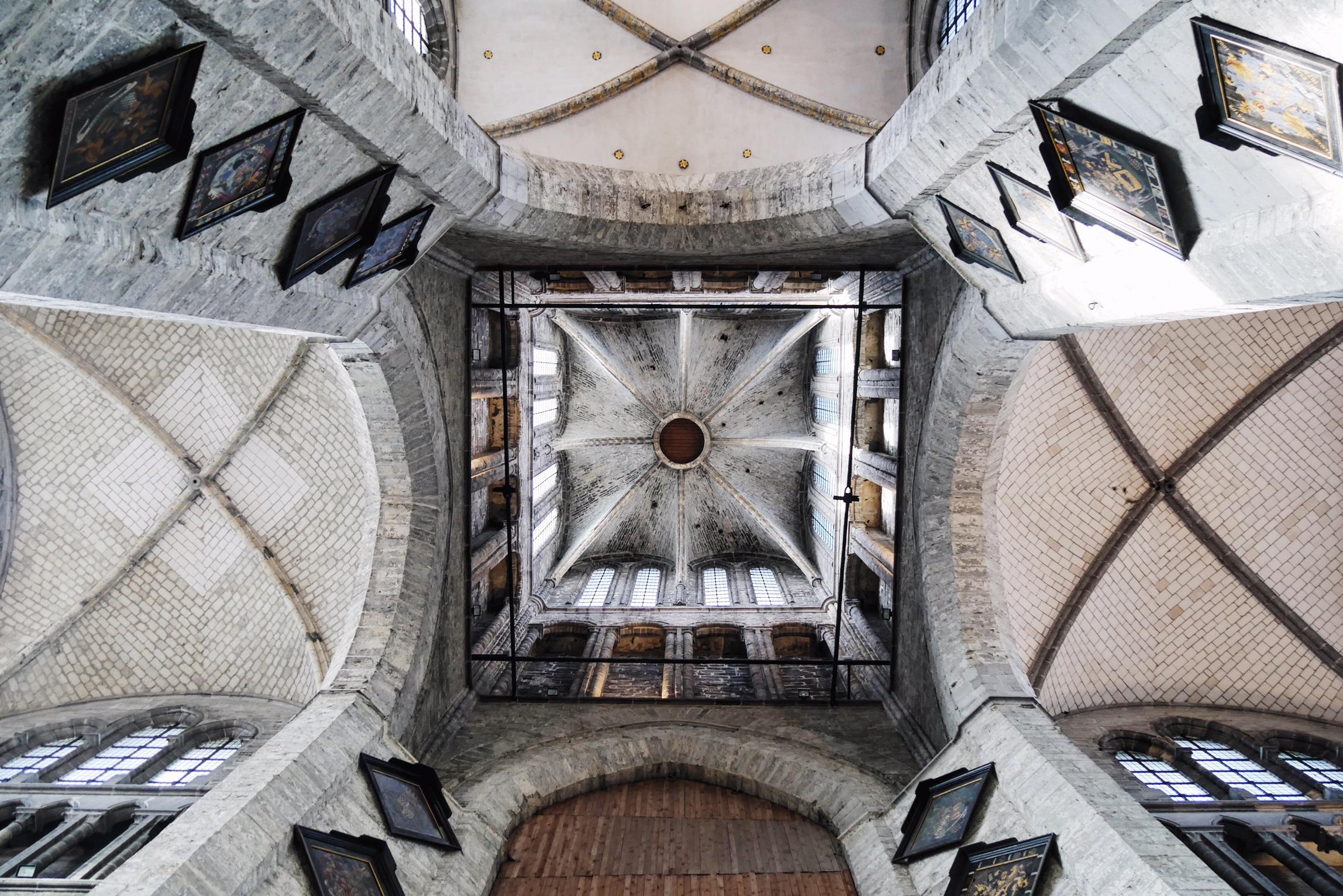 voutes-de-l-eglise-saint-nicolas-gand-sint-niklaaskerk-gent-photo-usofparis-blog