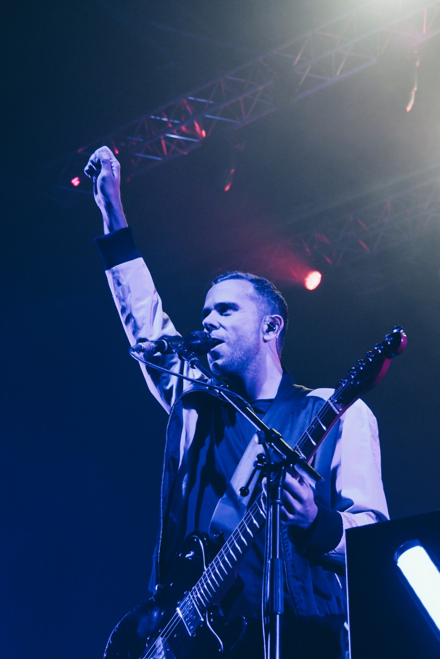 m83-anthony-gonzalez-junk-tour-live-concert-zenith-paris-photo-usofparis-blog