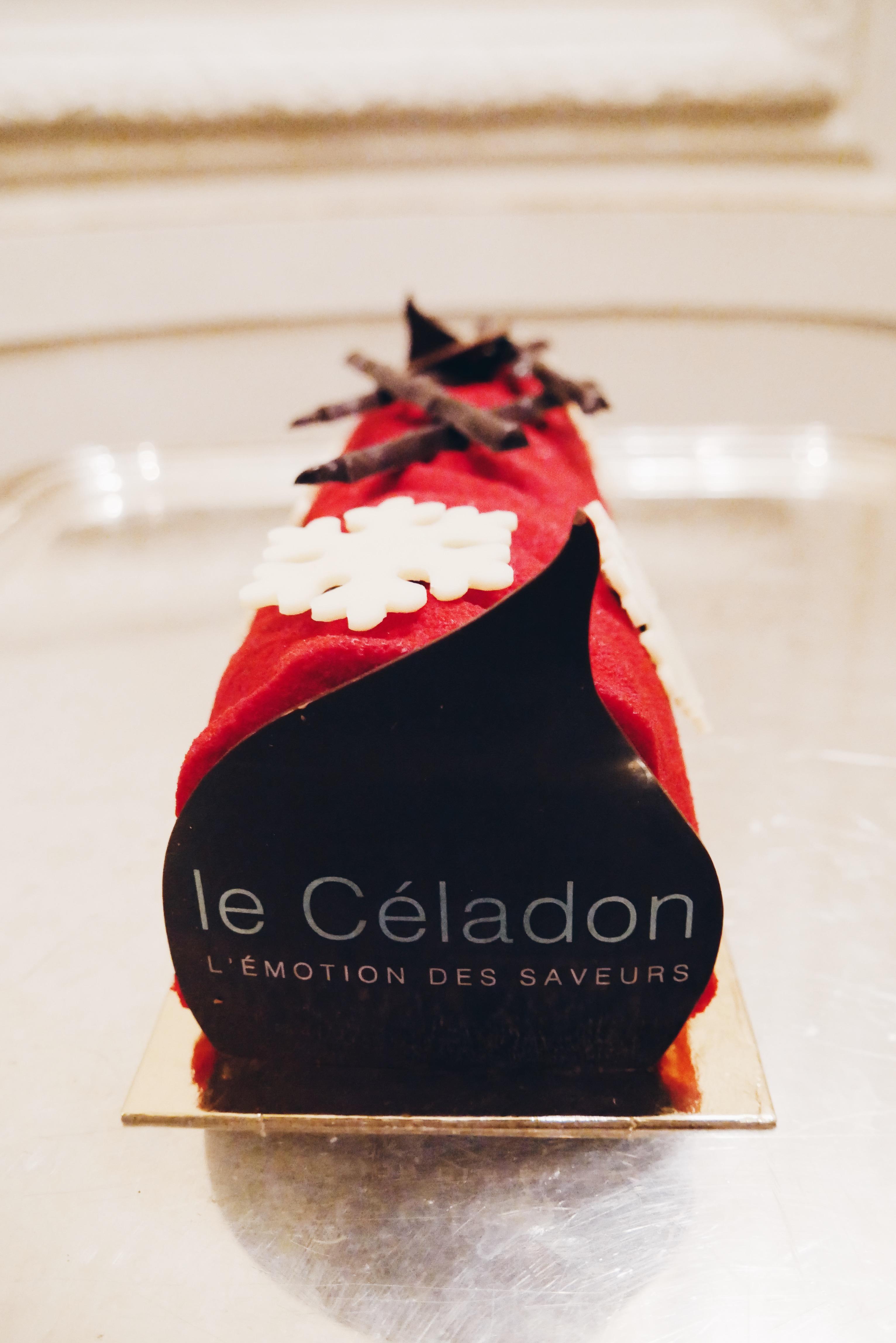 Bûche-de-noël-a-la-manière-des-treize-desserts-provence-Le-Céladon-Hôtel-Westminster-Paris-photo-usofparis-blog