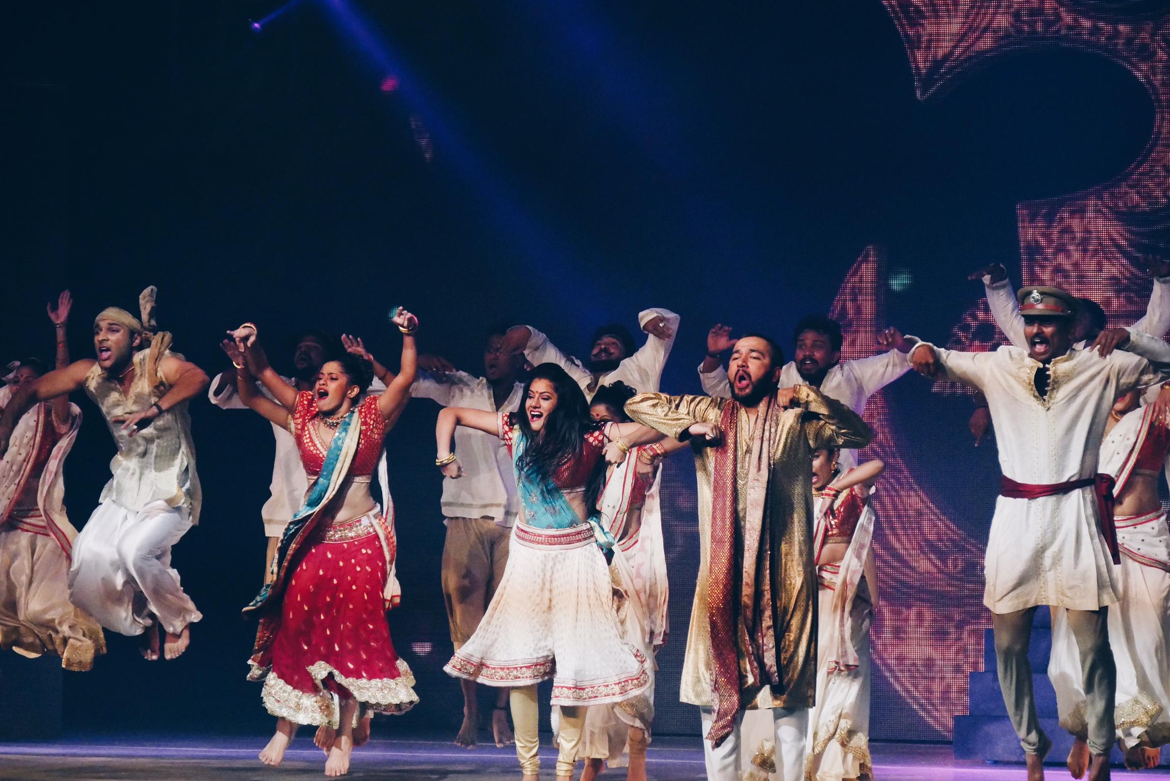 Bharati-2-show-spectacle-dans-le-palais-des-illusions-grand-rex-paris-photo-usofparis-blog