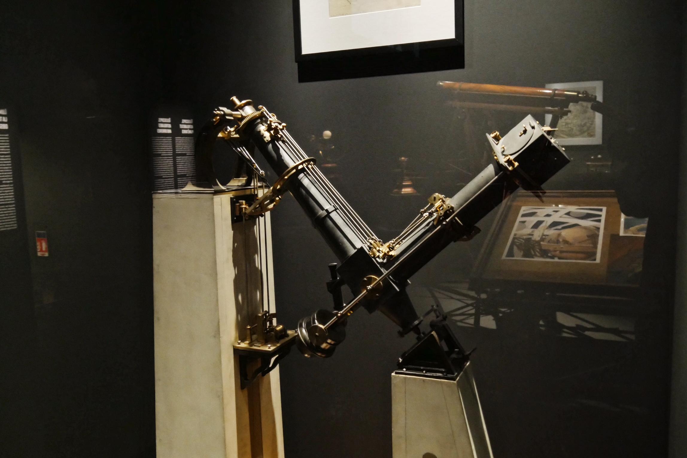 Petit équitorial coudé Observatoire de paris maquette Musée des arts et métiers expo Machines à dessiner