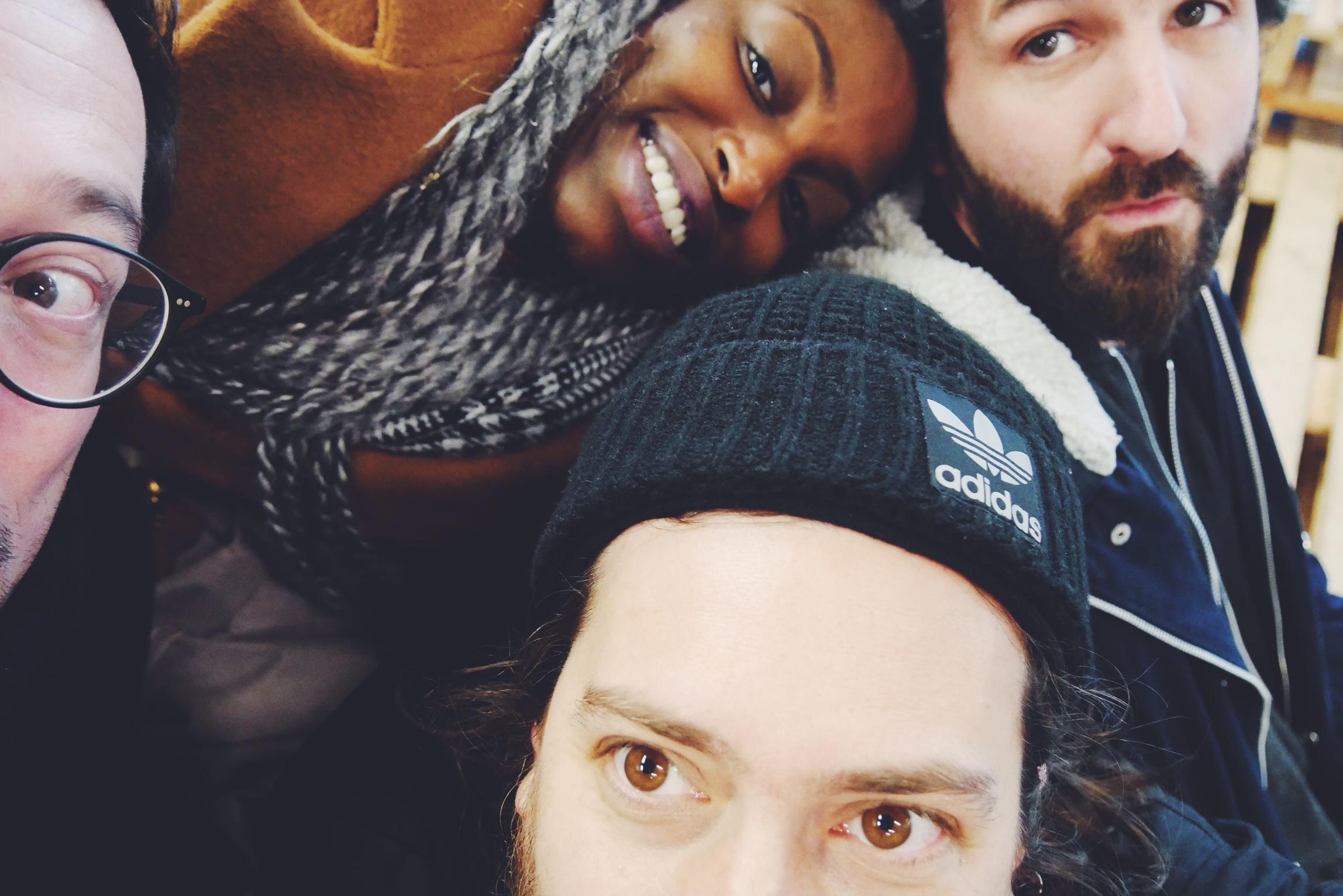 Rocky-music-band-interview-soft-machines-Inès-Kokou-Laurent-Tom-Olivier-selfie-original-photo-usofparis-blog