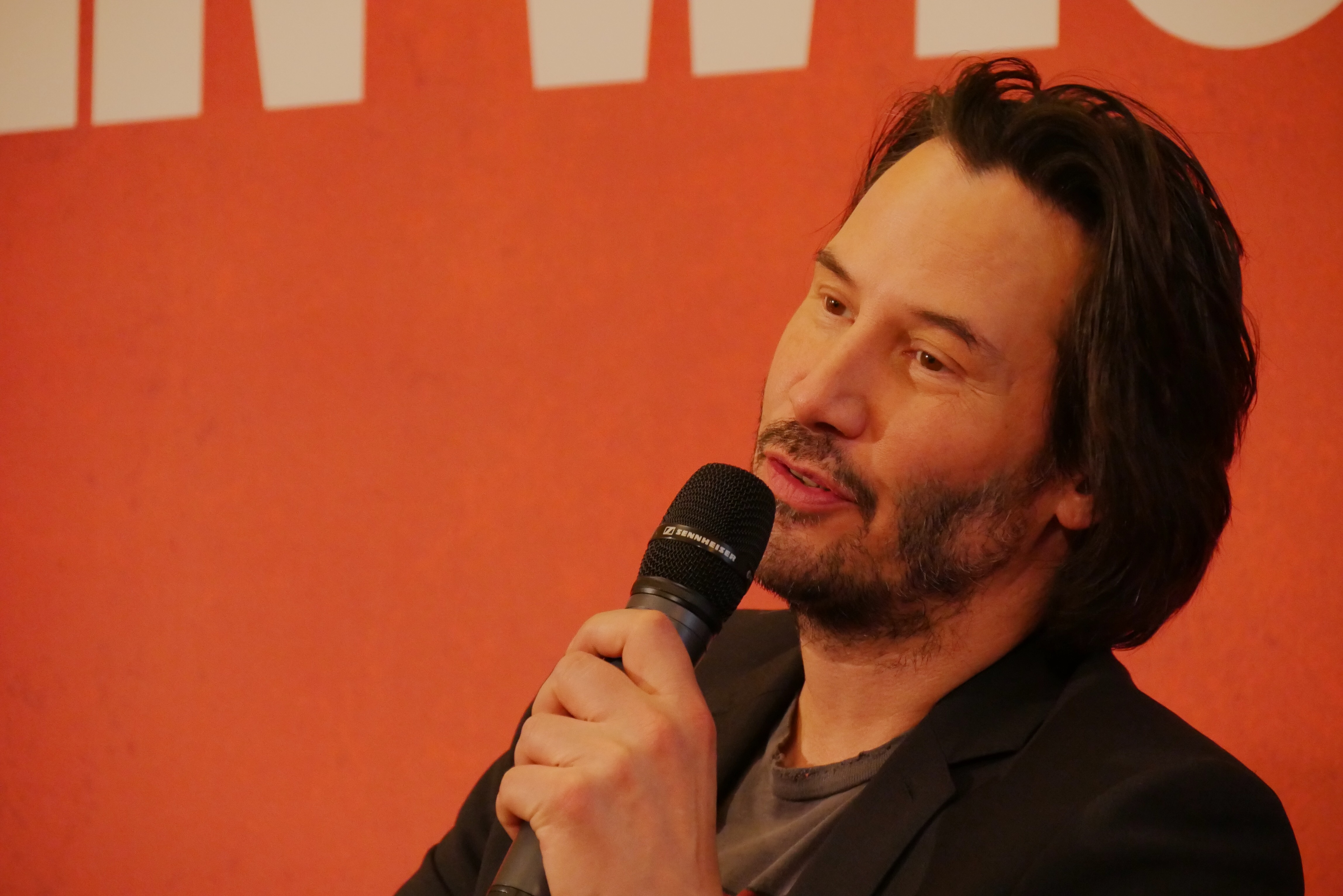 Keanu Reeves press conference presse film John Wick 2 Chad Stahelski The Ritz Paris portrait photo usofparis blog