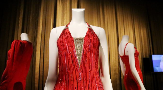 Dalida au Palais Galliera : une garde-robe lumineuse et festive !