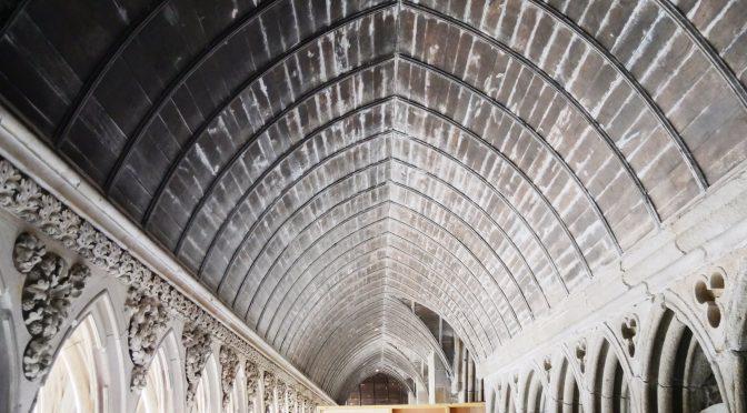 Cloitre de l'Abbaye du Mont Saint-Michel : spectaculaire cure de jouvence