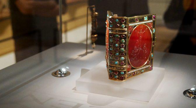 Tous Mécènes au Musée du Louvre : spectaculaire livre de François 1er
